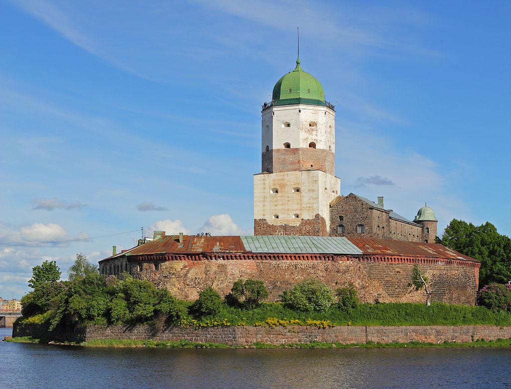 1024px-Vyborg_06-2012_Castle_06